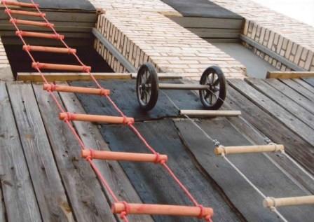 Спасательная-веревочная-лестница-1024x725